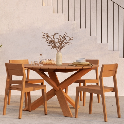 Circle Outdoor Dining Table - 136cm