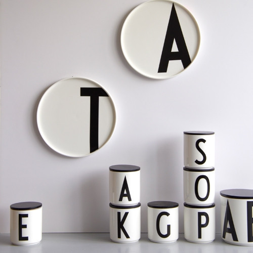 design letters porcelain cup porseleinen tas the. Black Bedroom Furniture Sets. Home Design Ideas